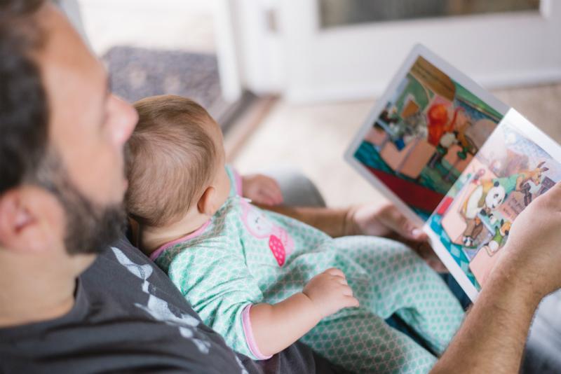 """Interacțiunea """"pasă și retur"""" dintre copil și părinte construiește creierul"""